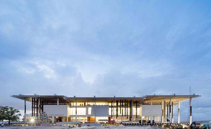 """""""Pérez Art Museum in Miami von Herzog & de Meuron eröffnet. Ein neues Museum für moderne und zeitgenössische Kunst soll zum Wahrzeichen von Miami werden.""""  Pérez Art Museum in Miami von Herzog & de Meuron P  rez Art Museum in Miami von Herzog de Meuron 07"""
