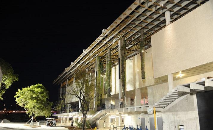 """""""Pérez Art Museum in Miami von Herzog & de Meuron eröffnet. Ein neues Museum für moderne und zeitgenössische Kunst soll zum Wahrzeichen von Miami werden.""""  Pérez Art Museum in Miami von Herzog & de Meuron P  rez Art Museum in Miami von Herzog de Meuron 09"""
