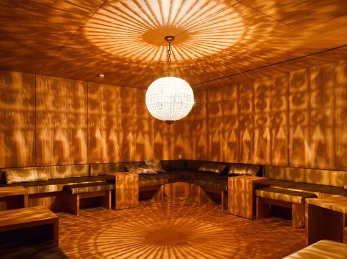 """""""Die Hürlimann Brauerei in Zürich, baute 1836, ist in ein Hotel und thermischen Spa mit erhitztem Wasser von einem nahe gelegenen Frühling umgestaltet worden.""""  Renovierung der Hürlimann Brauerei in thermisches Bad & Spa Renovierung der H  rlimann Brauerei in thermisches Bad Spa 07"""