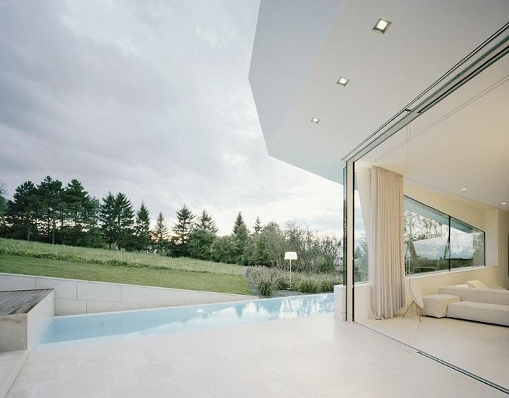 """""""Projekt A01 Architekten haben die Villa für eine Familie Freundorf bei Wien, Österreich konzipiert.""""  Villa Freundorf von Project A01 Architekten Villa Freundorf von Project A01 Architekten 04"""
