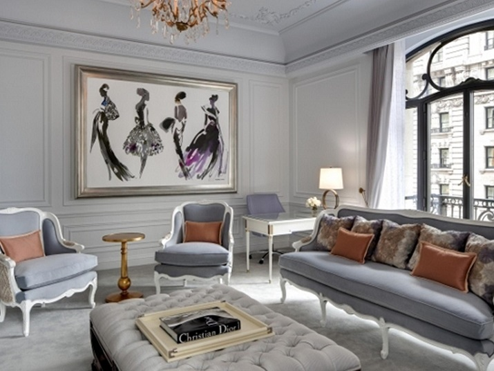 """""""Einige der Modedesigner haben ihre einzigartigen Unterschriften auf Suiten und Hotels durch die Welt gesetzt, die ebenso Schick sind wie ihre Kleidung."""" Designer Hotels 10 TOP Mode Designer Hotels und Suiten 10 TOP Mode Designer Hotels und Suiten Christian Dior"""