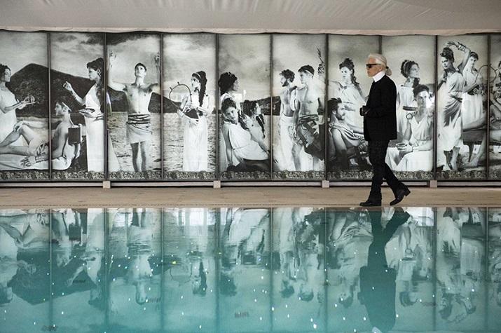 """""""Das Luxushotel Métropole in Monte Carlo im zeitgenössischen Gewand: Karl Lagerfeld designt den Poolbereich und ein neues Restaurant im Zeichen der Odyssee.""""  Karl Lagerfeld designt Luxushotel Métropole in Monte Carlo Karl Lagerfeld designt Luxushotel M  tropole in Monte Carlo 03"""