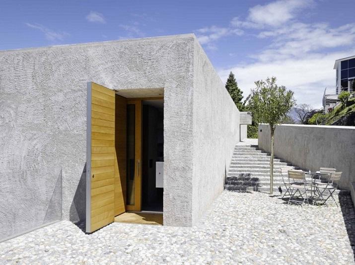 """""""Dieses elegante Haus, in Ranzo, die Schweiz, wird von Wespi de Meuron entworfen.""""  Betonhaus in Ranzo bei Wespi de Meuron Betonhaus in Ranzo bei Wespi de Meuron 02"""