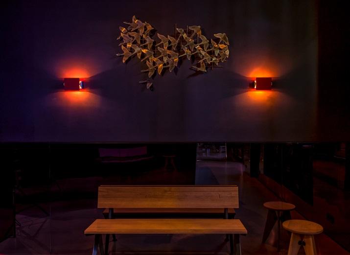 """""""Maxie Eisen, ein Chicagoer Gangster mit deutsch-jüdischen Wurzeln und guten Verbindungen zum berüchtigten Al Capone, am Frankfurter Bahnhofsviertel.""""  Maxie Eisen: Ein Vintage Restaurant/Bar in Frankfurt Maxie Eisen Ein Vintage Restaurant Bar in Frankfurt 06"""