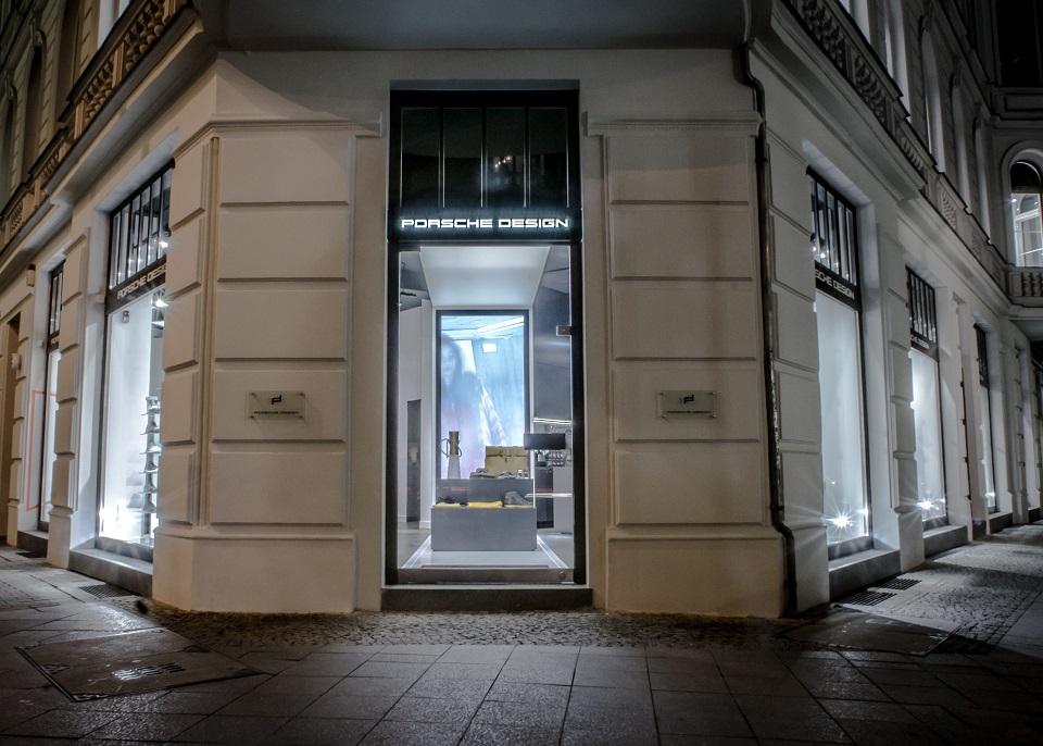 Das neue Luxusstore von Porsche Design in Berlin-Mitte Das neue Luxusstore von Porsche Design in Berlin Mitte slide