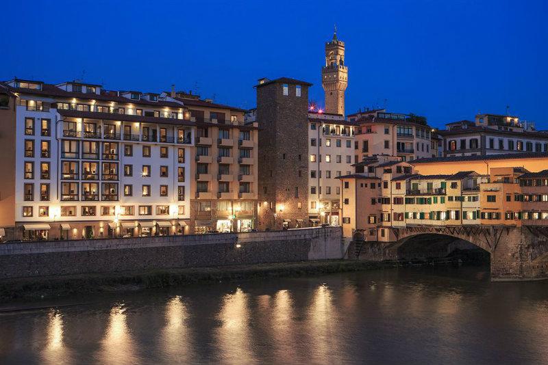 "800547_267_z  Das Hotel ""Portrait"" in Florenz 800547 267 z"