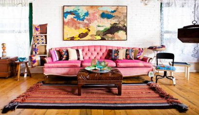 Die besten Sofa Designs im Boho Chic style für Ihr Zuhause Sofa Designs Die besten Sofa Designs im Boho Chic style für Ihr Zuhause gorgeous boho style in the interior home with pink sofa feat brown leather table on rug also frame on the wall plus wooden floor 409x237