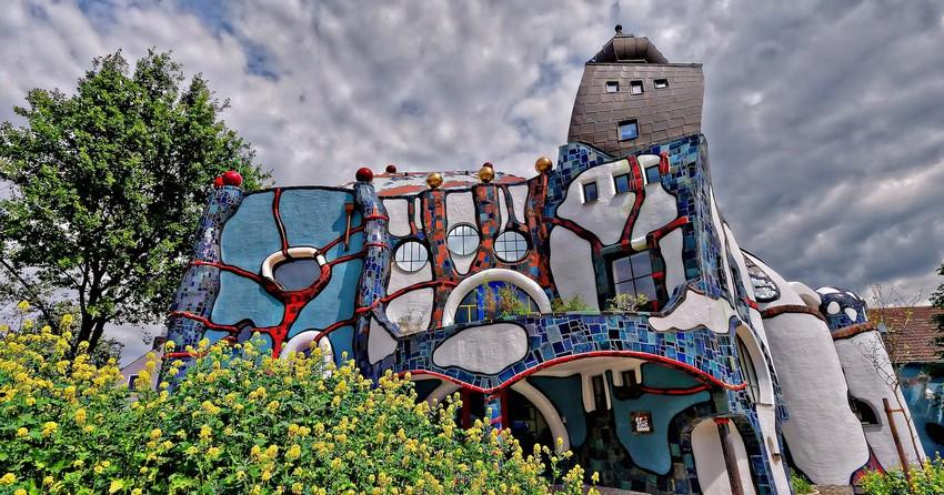 14471225673_7aac3f79ca_h hundertwasser Die Gebäude von Hundertwasser: eine Architektur für den Menschen 14471225673 7aac3f79ca h