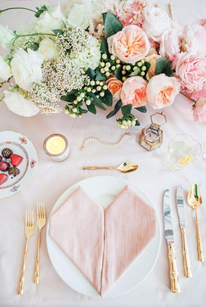 Wie Ihr Esszimmer für Valentinstag zu schmücken valentinstag Wie Ihr Esszimmer für Valentinstag zu schmücken 5 Dining Room Table Ideas for Valentines Day 1 1