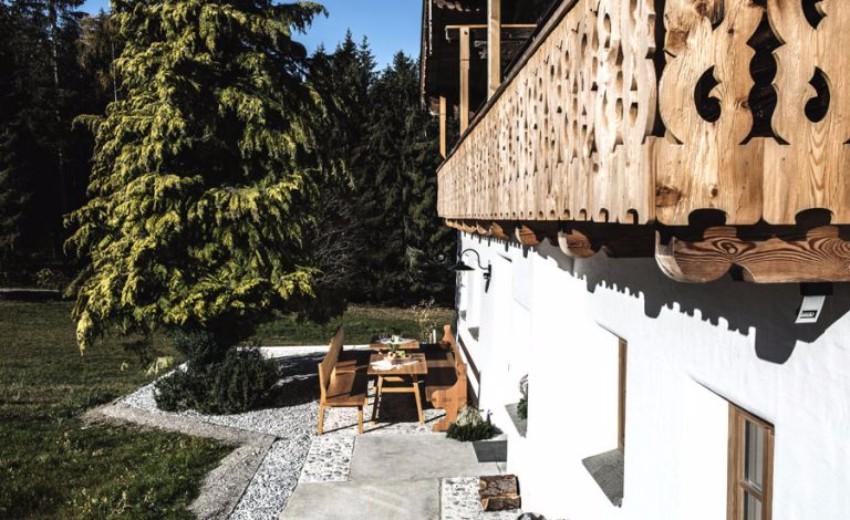 TOP 15 atemberaubende Plätze für Sommerurlaub in der Natur  Chalets TOP 15 atemberaubende Chalets für Sommerurlaub in der Natur bauernhof K  th Nanei in Annaberg Lung  tz