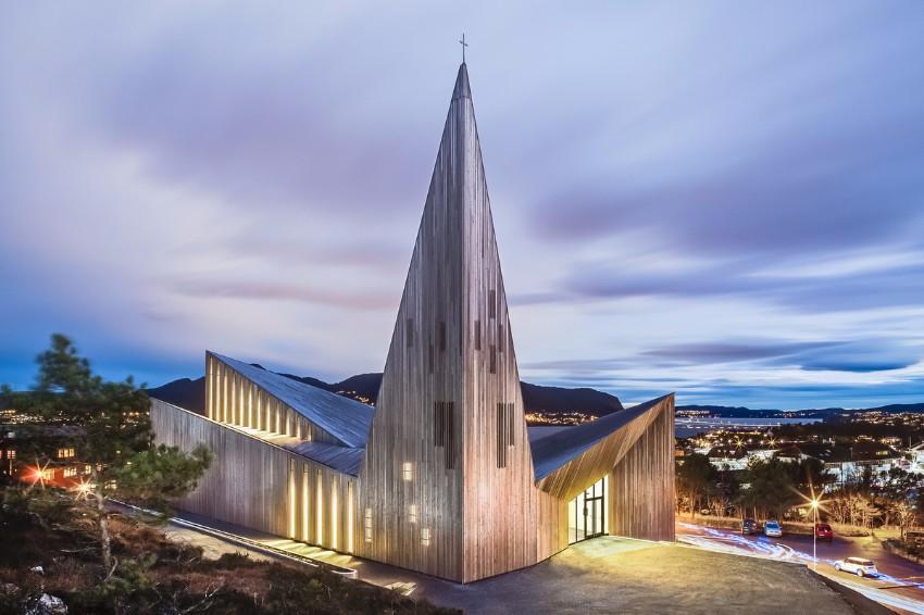 10 Atemberaubendste Gebäude der Welt Architektur 10 Atemberaubendste Architektur Gebäude der Welt Community Church Knarvik Norwegen
