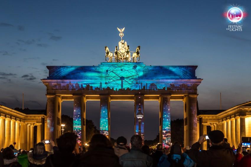 """Habt Ihr eigene """"Festival of Lights"""" zu Hause  festival of lights Habt Ihr eigene """"Festival of Lights"""" zu Hause 2015 01 Brandenburger Tor FH 1"""