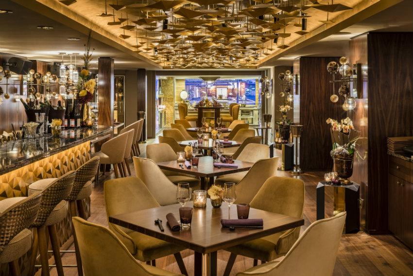Top Restaurants Weltweit mit die beste Innenarchitektur top restaurants Top Restaurants Weltweit mit der besten Innenarchitektur Fairmont Hotel Vier Jahreszeiten Hamburg NIKKEI NINE Blick ins Restaurant    Guido Leifhelm