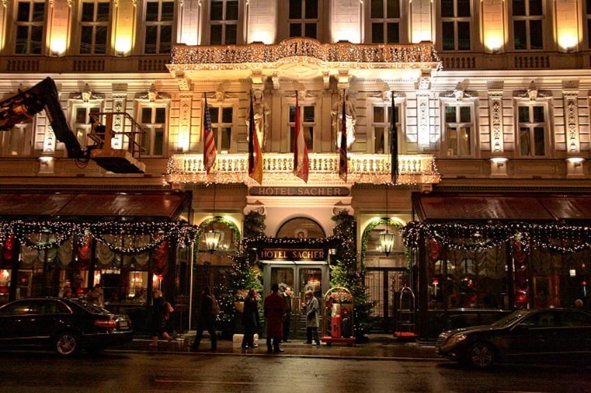 Die besten Luxus Hotels in Wien Luxus Hotels Die besten Luxus Hotels in Wien Innenstadt am Abend 002 680