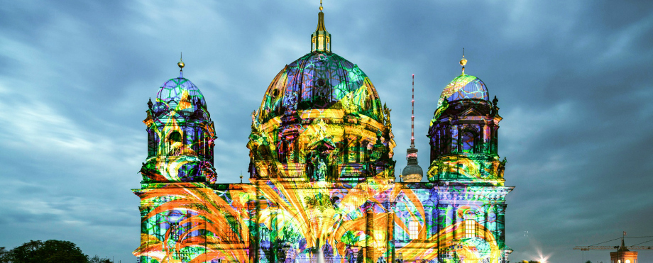 "festival of lights 7 erstaunlich Stehlampen für ein eigenes ""Festival of Lights"" berliner dome illuminated during festival of lights shutterstock 215576320 editorial only anyaivanova 2 1"