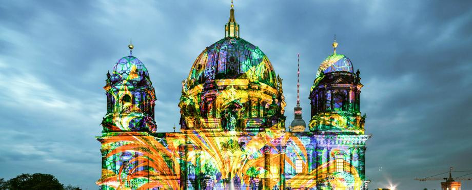 """7 erstaunlich Stehlampen für ein eigenes """"Festival of Lights"""""""