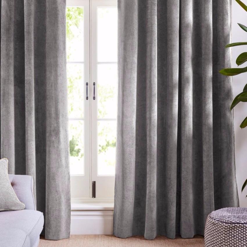 der König der Stoffe  velvet Velvet kann einfach der König der Stoffe sein silver velvet curtains 530x 2x