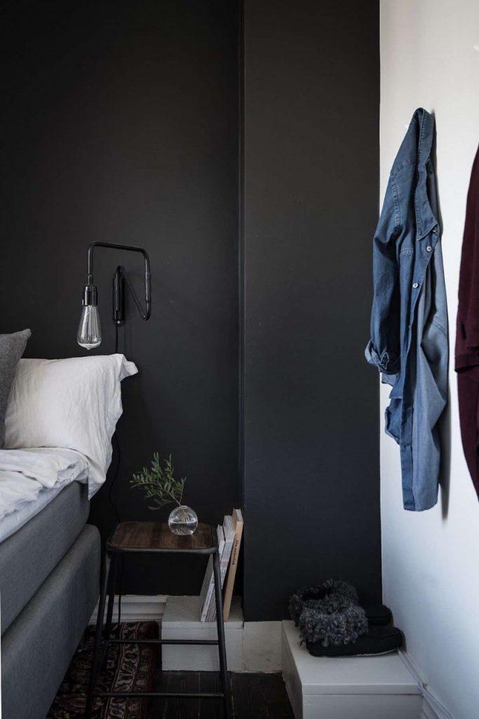 Die dunklere Seite des modernen Wohndesigns Wohndesigns Die dunklere Seite des modernen Wohndesigns dunkle Wand im Schlafzimmer