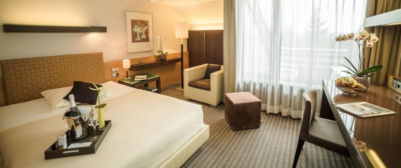 hotel interior design Entdecken Sie die besten Hotel Interior Design Projekte von Joi-Design Joi Design Beste Hotel Interior Design Projekte Der   schbergdorf 02
