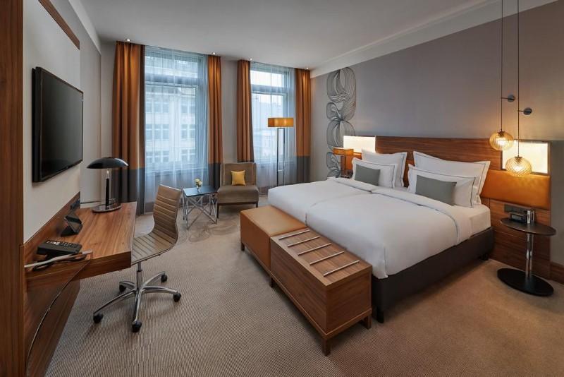 hotel interior design Entdecken Sie die besten Hotel Interior Design Projekte von Joi-Design Joi Design Beste Hotel Interior Design Projekte Reichshof Hamburg 03