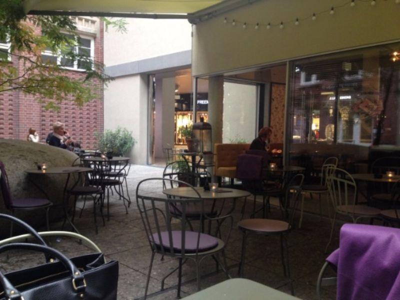 Botti Leuchten: Eine Bar in Deutschland, wo das Licht aus den Trompeten kommt! botti leuchten Botti Leuchten: Eine Bar in Deutschland, wo das Licht aus den Trompeten kommt! 7 3