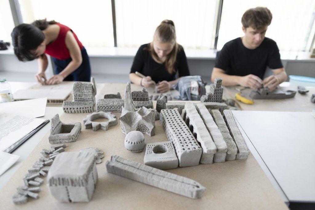 Entdecken Sie alles rund um die Design Biennale Zürich! design biennale zürich Entdecken Sie alles rund um die Design Biennale Zürich! 1 1024x683
